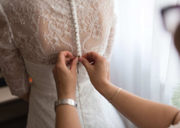 When Should Mother of Bride Remove Her Hat